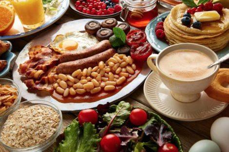 Comer en exceso: trucos para evitar comer mucho
