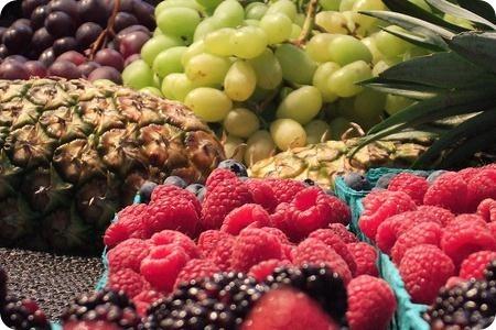 ¿Comer fruta antes o después de las comidas?