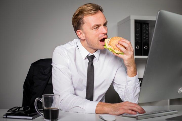 Comer rápido en el trabajo