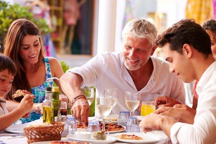 Las ventajas de comer todos en familia