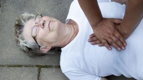 Primeros auxilios ante un infarto