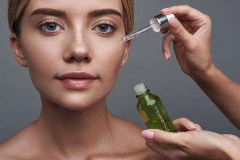 Cómo aplicar el sérum facial
