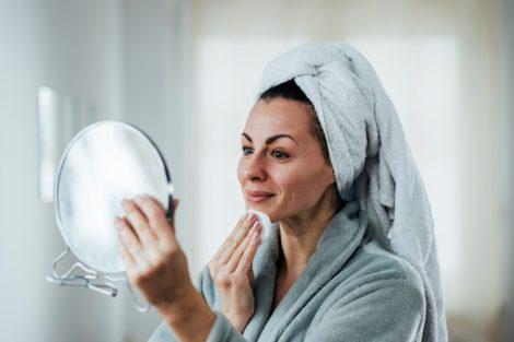 Cómo desmaquillarse la cara correctamente