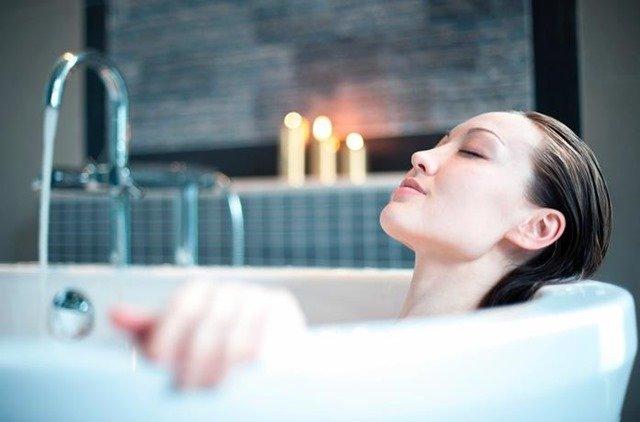 Cómo darte un baño relajante casero