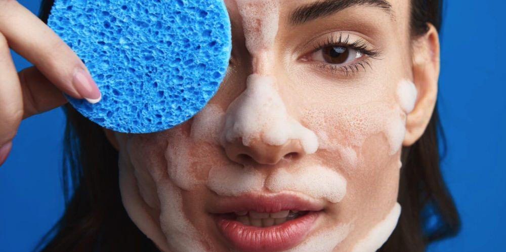 Cómo usar las esponjas desmaquillantes