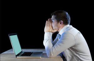Las consecuencias para la salud de trabajar muchas horas al día