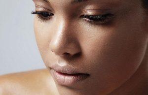 Exfoliantes y mascarillas naturales para piel grasa