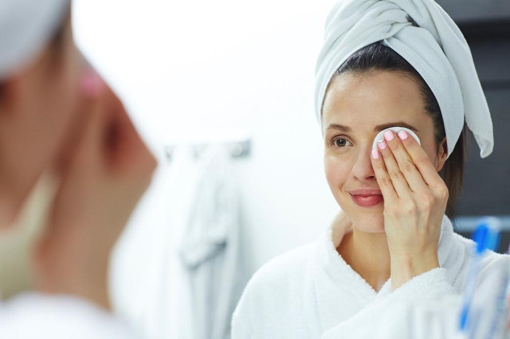 Consejos útiles a la hora de quitar el maquillaje waterproof de pestañas