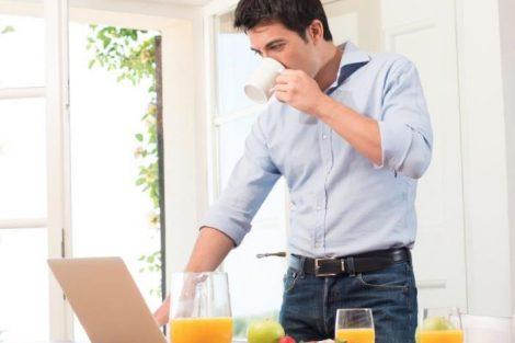 Cómo alimentarse para rendir en el trabajo