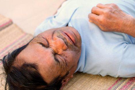 Qué hacer ante una convulsión y qué no hacer (primeros auxilios)