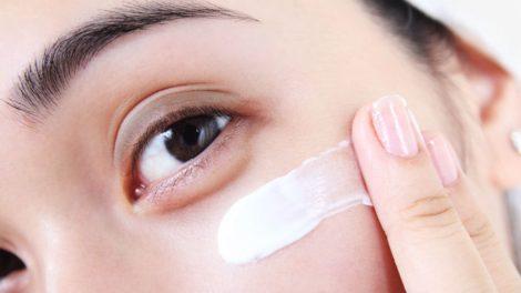 Cómo hacer un contorno de ojos casero