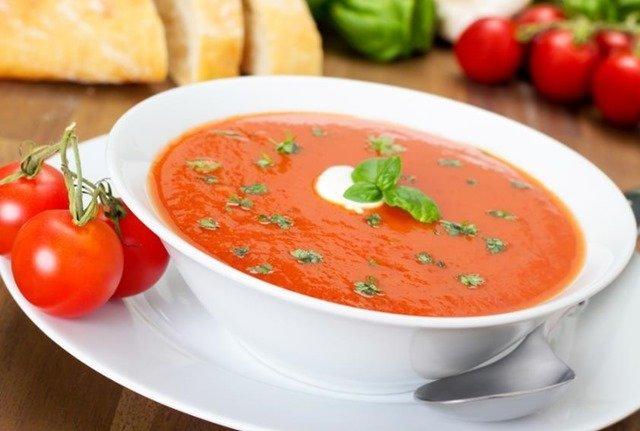 crema-tomate-albahaca