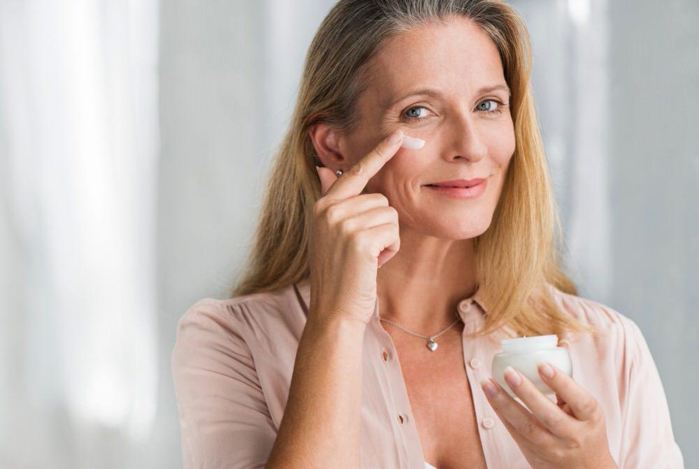 Rutina para cuidar la piel a los 50 años