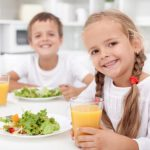 Cómo mejorar y reforzar las defensas de tus hijos de forma natural