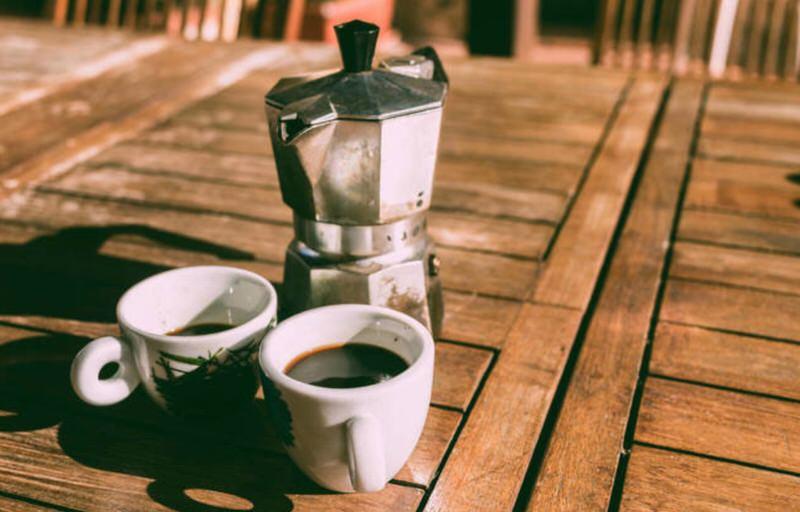 Café en cafetera italiana