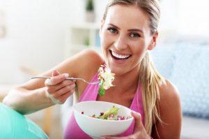Cómo tratar la celulitis con la alimentación: dieta anticelulítica