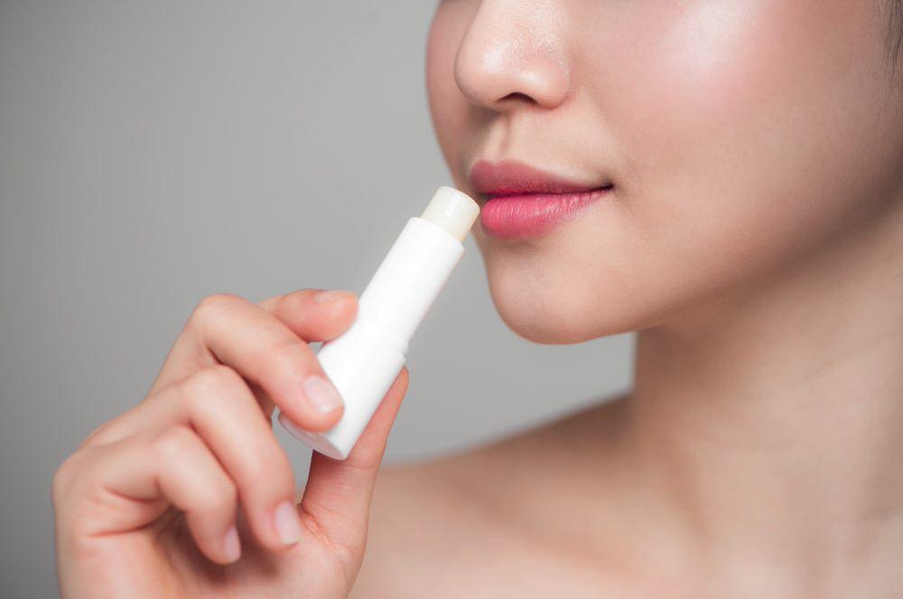 Cómo disimular las arrugas del código de barras del labio superior