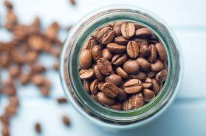 Dónde guardar el café: dentro o fuera de la nevera