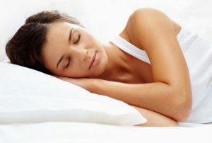 La mejor postura para dormir según la ciencia
