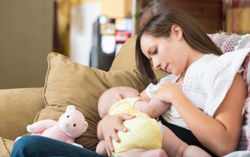 Durante cuánto tiempo debe durar la lactancia materna