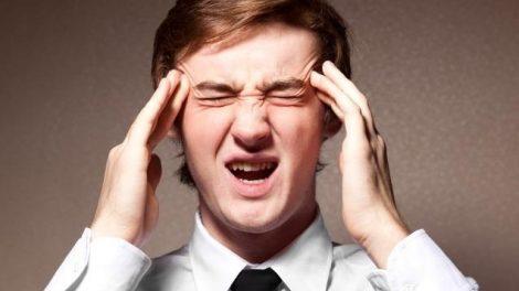 Los efectos del jet lag: dolor de cabeza, cansancio