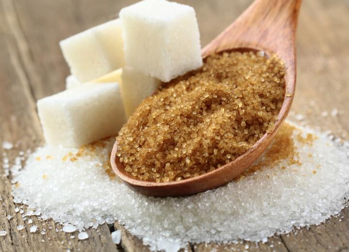 Es más saludable el azucar moreno y blanco