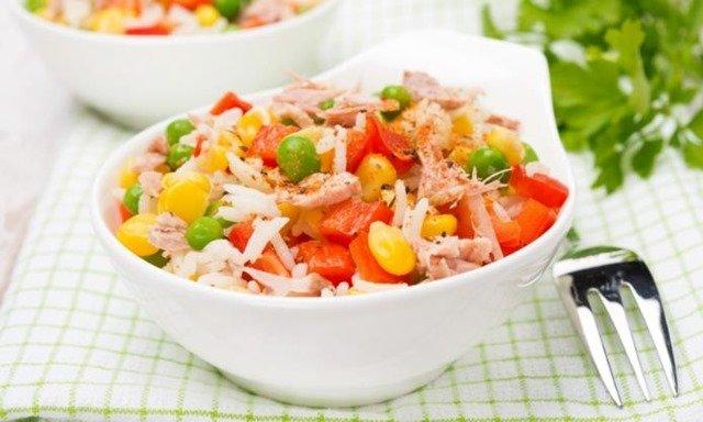 ensalada-arroz-guisantes