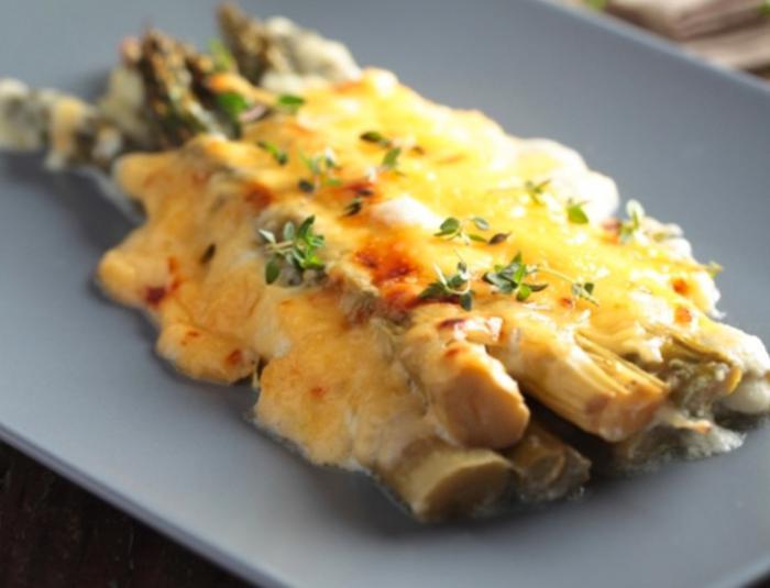 Espárragos con queso
