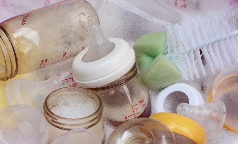 Cómo esterilizar los utensilios del bebé
