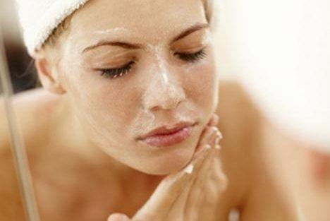 Cómo exfoliar tu piel correctamente
