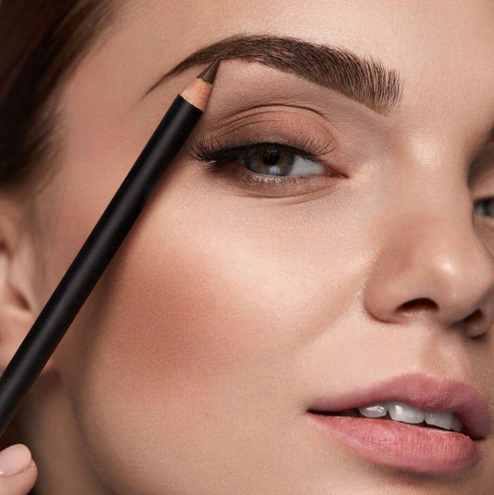 10 formas de engrosar y repoblar las cejas