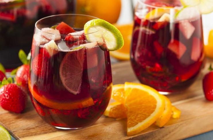 Fresas con vino tinto