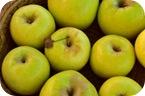 ¿Es mejor comer la fruta con piel?