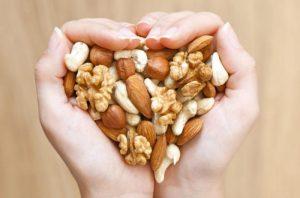 Frutos secos para el colesterol: sus propiedades cardiosaludables