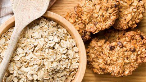 Cómo hacer unas galletas de avena, platano y almendras