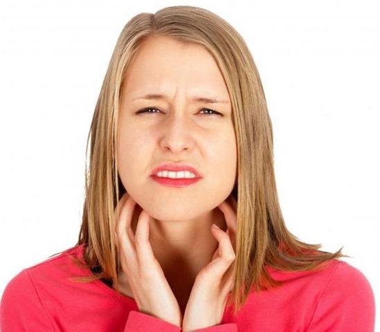 Consejos naturales contra la garganta seca