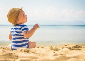 Golpe de calor en bebés y niños: cómo prevenirlo, qué hacer y cómo actuar