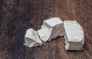 Heces blancas o pálidas: por qué aparecen, causas y tratamiento