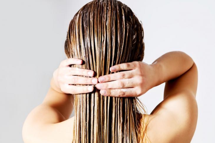 hidratacion-causa-cabello-encrespado