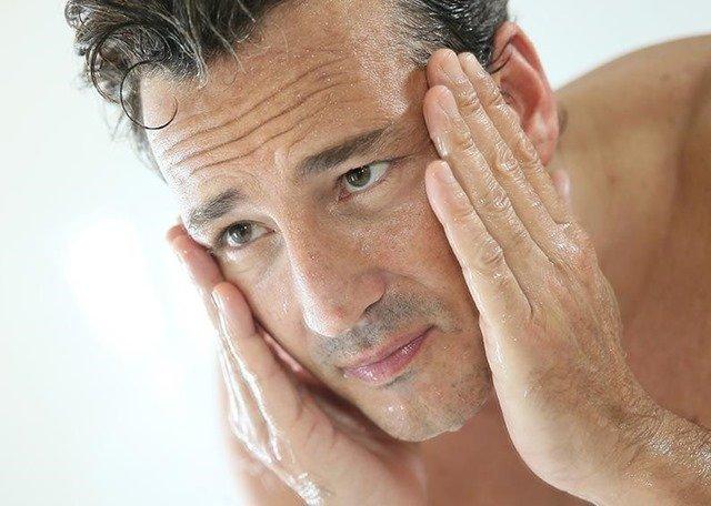 Descubre cómo hidratar tu piel después del afeitado