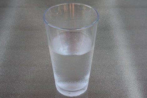 Hiponatremia: consecuencias de beber mucha agua