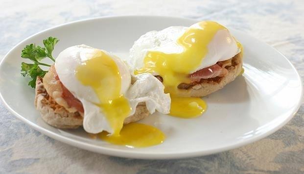 huevos-escalfados-bacon