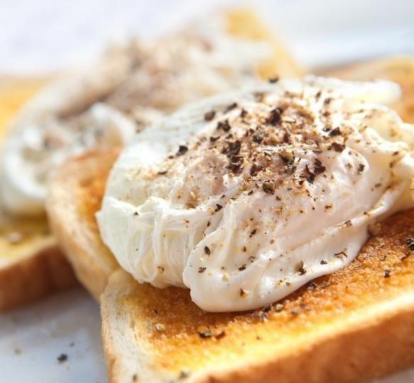 huevos-escalfados-receta