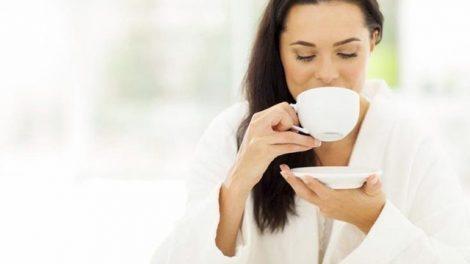 La infusión de salvia y caléndula ayudan a regular la menstruación