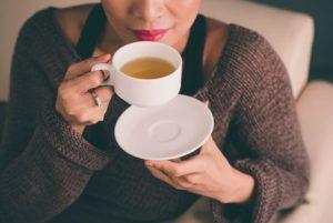 3 infusiones para aliviar los gases después de las comidas