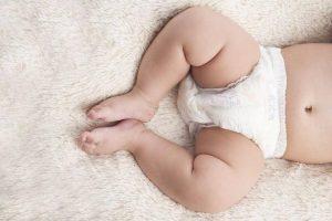 Leche materna para aliviar y curar las irritaciones del pañal del bebé