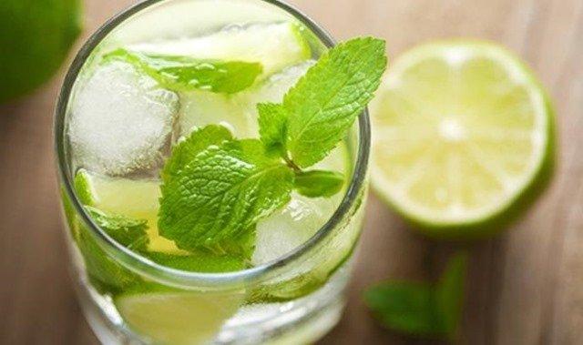 jugo-limon-hierbabuena