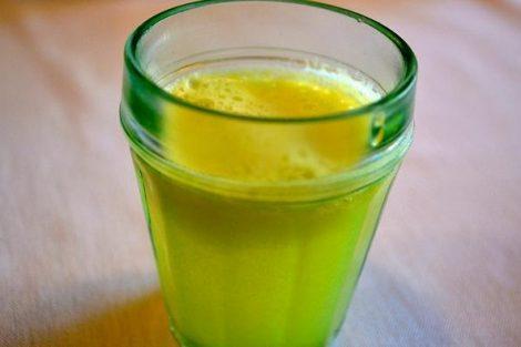 Cómo hacer un jugo de manzana, jengibre y limón desintoxicante