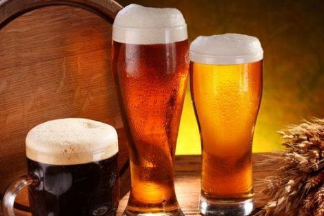 La cerveza con alcohol y sin no engorda ni aumenta la circunferencia de cintura o cadera