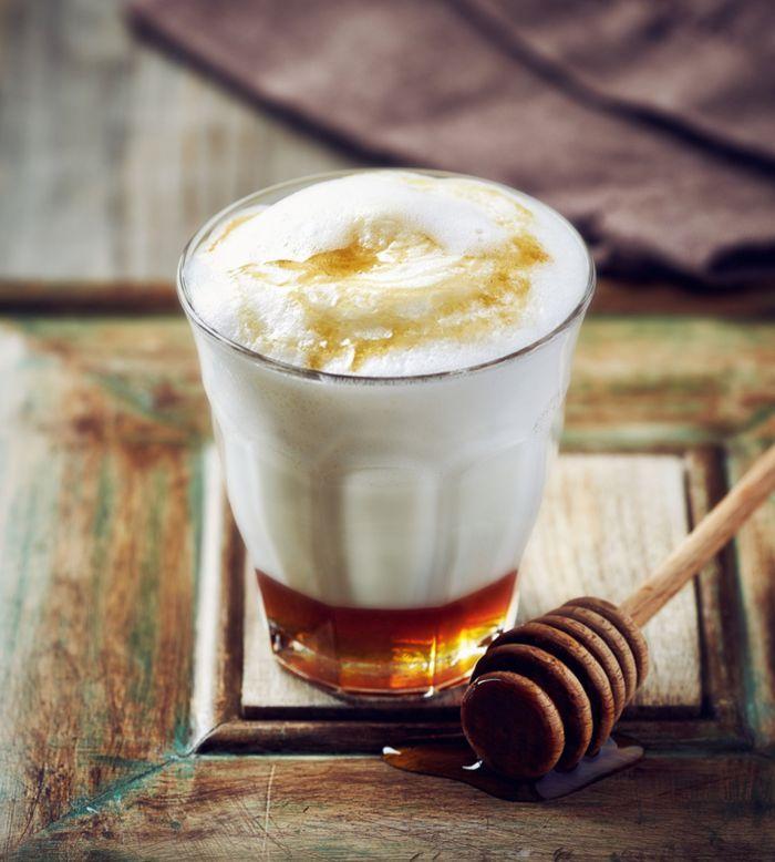Resultado de imagen de leche caliente con miel